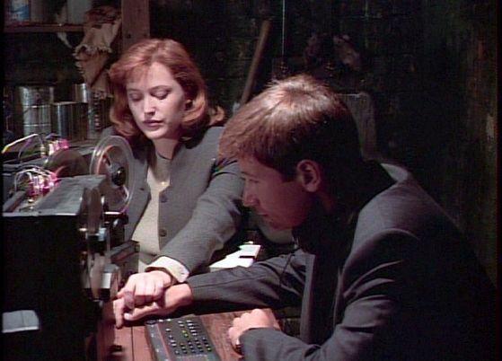 Season Two Little Green Men # ~ Scully Grabs Mulders Hand