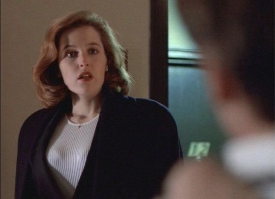 Season Three Syzygy # ~ (Scully Walks In On Mulder ) Mulder : Its Not What anda Think Scully.