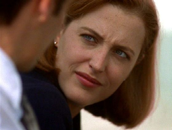 Season Four halaman awal # ~ Mulder Talks To Scully About One hari Being A Mom