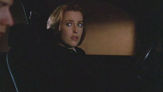 Season Five Kill Switch # ~ Mulder & Scully in The Car And Romantic música Plays