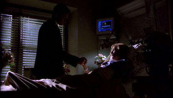Season Six Tirthonus # ~ Mulder Holds Scullys Hand While Shes In Hosptail