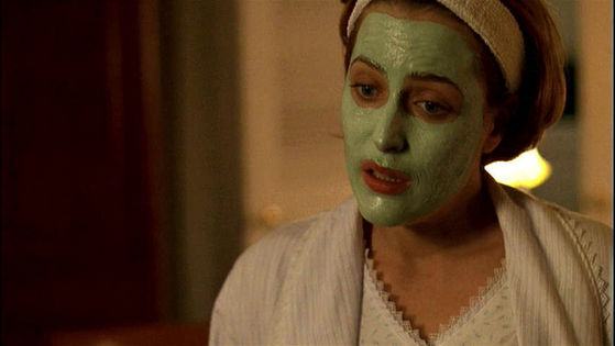 Season Six Arcadia # ~ Mulder Jumps When He See's Scully In Her Face Mask