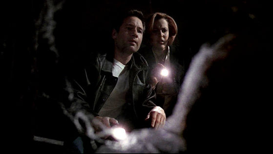 Season Six HTGSC # ~ Scully - Mulder Shes Wearing My Outfit - Mulder : How Embrassing