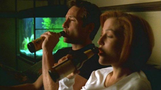 Season Seven Je Souhaite # ~ Scully & Mulder Watching A Movie Together