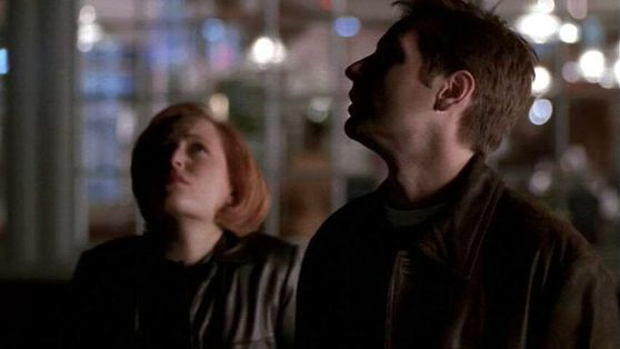 Season Seven Closure # ~ Mulder & Scully Looking At The Stars Together
