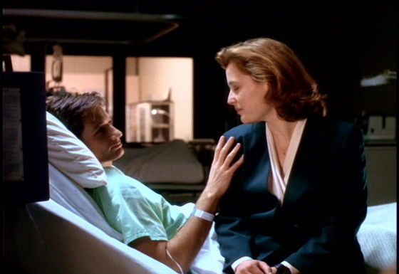 Season One Beyond The Sea # ~ Mulder Touches Scullys Shoulder