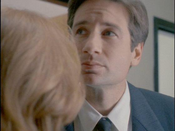 Season Three Syzygy # ~Mulder Sniffs Scullys Hair