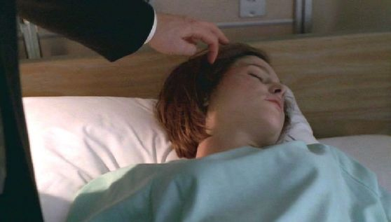 Season Five TRATB # ~ Mulder Pulls Scullys Hair Out Of Her Face