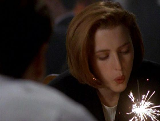 Season Four Tempus Fugit # ~ Scully : Dog Years Thankyou (Mulder Rembers Scullys Birthday Every 4 Years)