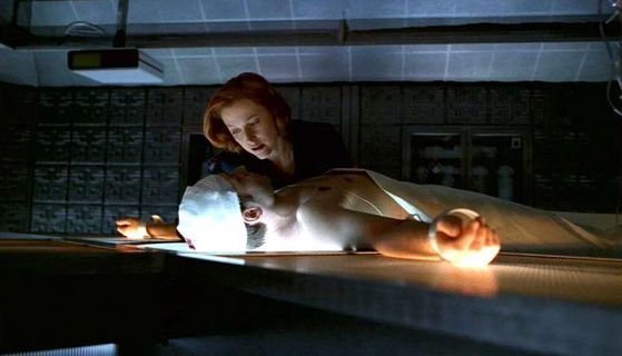 Season Seven TSE: II # ~ Scully Trying To Get Mulder Up (Shes Crying)