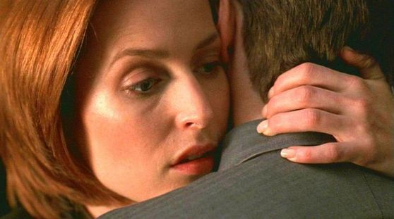 Season Seven Requiem # ~ Mulder : Im Not Going To Risk Losing You (HUG) - Scully : I Wont Let You Go Alone