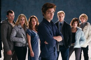 (left to right) Emmet, Rosalie, Esmee, Edward, Carlisle, Alice and Jasper