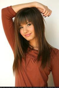 1.Demi Lovato
