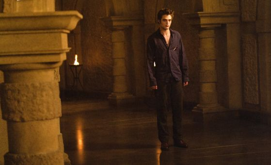 Edward seeking the Volturi to ask them to kill him