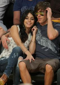 Zack Efron And Vanessa Hudgens Having Sex 19
