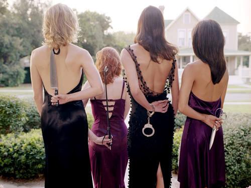 http://images2.fanpop.com/image/photos/10000000/Desperate-Housewives-desperate-housewives-10039769-500-375.jpg