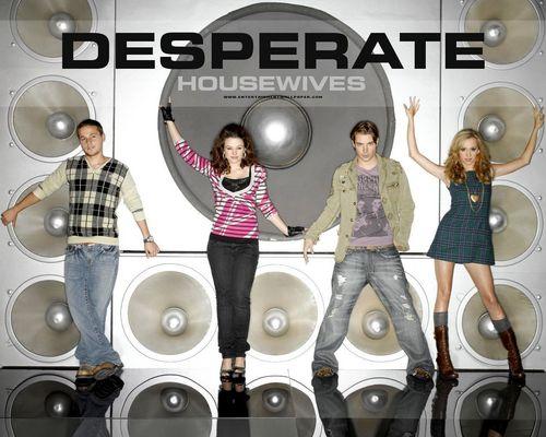 http://images2.fanpop.com/image/photos/10000000/Desperate-Housewives-desperate-housewives-10039808-500-400.jpg