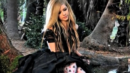 Avril Lavigne: تصاویر from the 'Alice' موسیقی video photoshoot