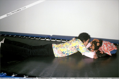 AWW MJ AND BUBBLES <3