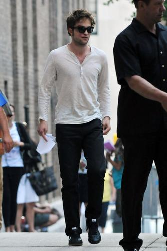 Robert Pattinson random pics