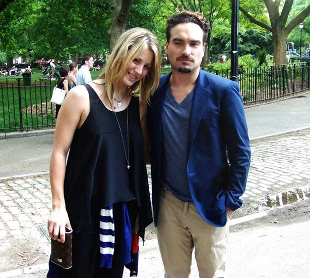 Image result for kaley cuoco and johnny galecki