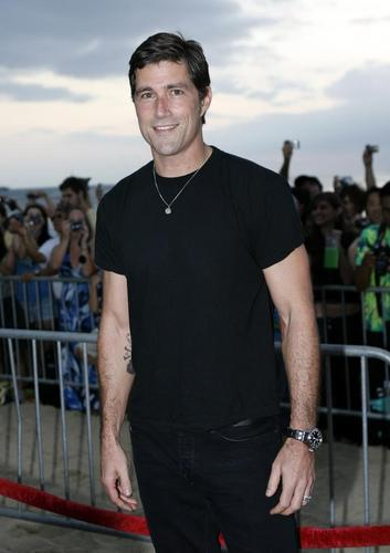 Matthew soro ♣ [Lost Premiere Season 6]