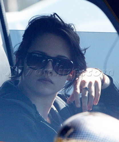 NEW pics of Kristen in LA