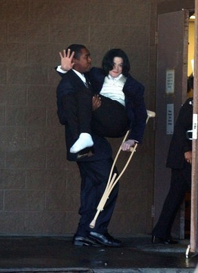 HES SOOO CUTEEE Amore te MICHAEL NO MATTER WHAT :D <3