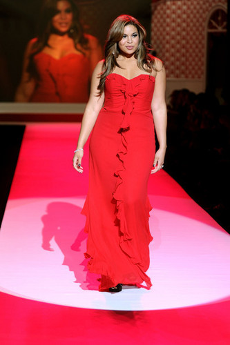 Jordin hart-, hart Truth Red Dress Collection!