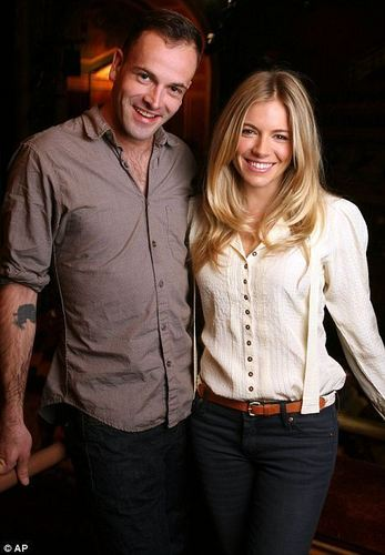 Lovely pic of Jonny & Sienna