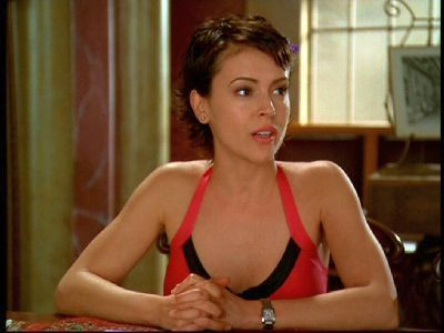 tiếp theo >>Alyssa Milano as Phoebe Halliwell on Charmed;)<3♥
