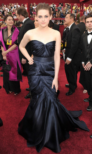 kristen stewart - 82nd Annual Academy Awards 2010