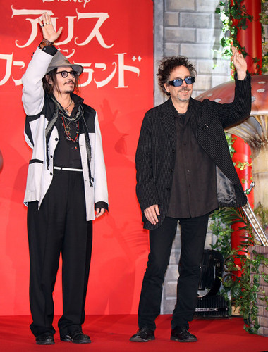 Tim полиспаст, бертон & Johnny Depp @ the Japanese Premiere of Tim Burton's 'Alice In Wonderland'