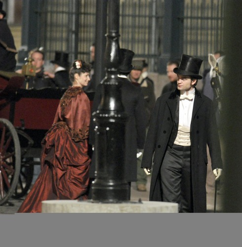More HQ Pictures: Rob on 'Bel Ami' set