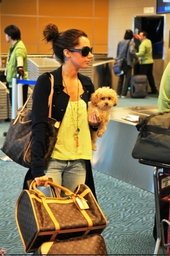 Ashley @ Vancouver Airport