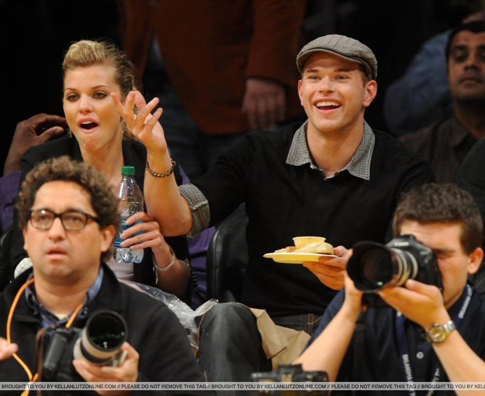 Kellan & AnnaLynne at Lakers game - 20 April 2010