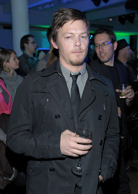 "Norman Reedus- Sarah Silverman Moderates ""The Darker Side Of Green"" 토론"