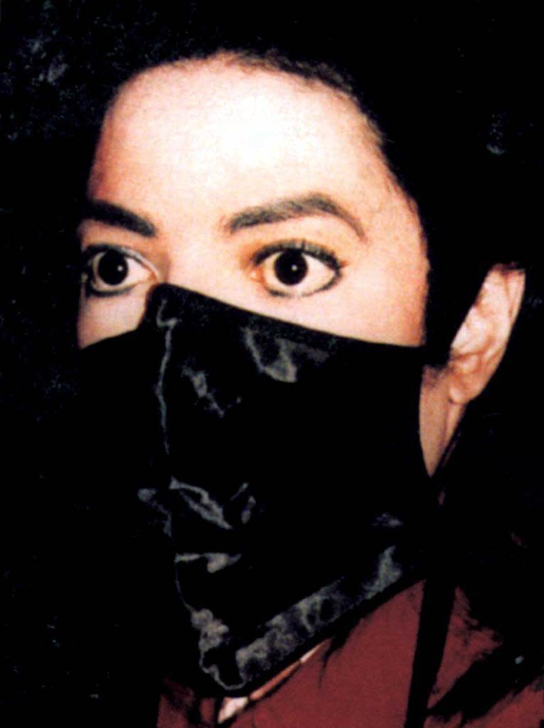 beautiful-eyes-michael-jackson-11687191-765-1024.jpg
