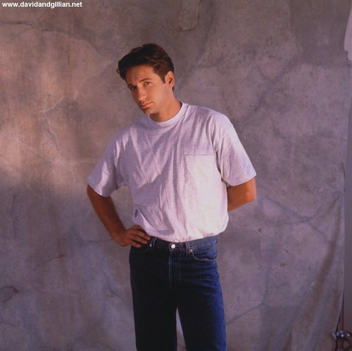 09/1993 - TV Guide Photoshoot sa pamamagitan ng E.J. Camp
