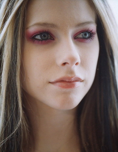 Avril Lavigne Under My Skin