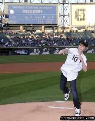 Appearances > 2010 > White Sox Game; (May 3rd)