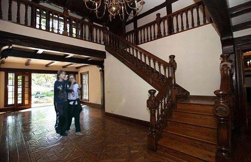 prince paris and blanket in neverland