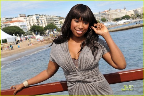 Jennifer Hudson Works On Making âm nhạc