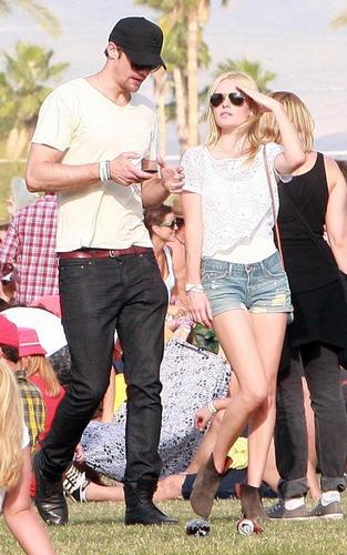 Kate Bosworth and Alex Skarsgard's Loved Up Weekend
