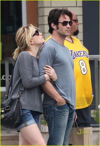 Anna Paquin & Stephen Moyer: REI Romantic