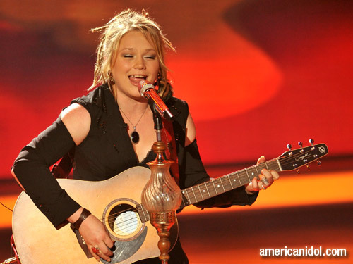 "Crystal Bowersox singing ""I'm Alright"""