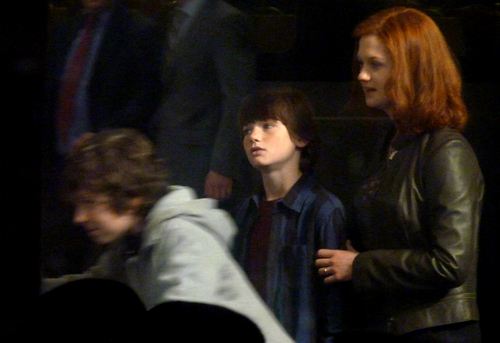 First 사진 of adult Harry, Ginny & Potter family from Deathly Hallows epilogue