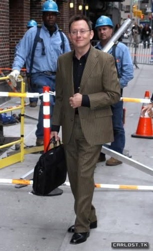 Michael arriving at the David Letterman onyesha
