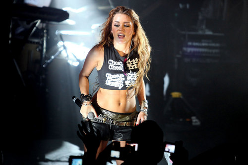 Miley Cyrus 'Cheap Trick' Performance