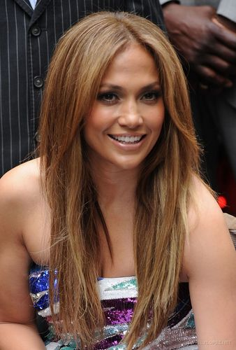 Jennifer Lopez Unveils 'Be extraordinary' Billboard, Times Square - June 10 2010
